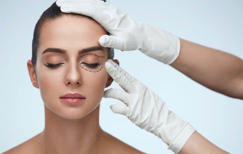 جراحیهای زیبایی روی چشم از ترندهای زیبایی سال 2021